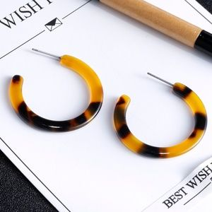 Acrylic Hoop Statement Earrings - Brown